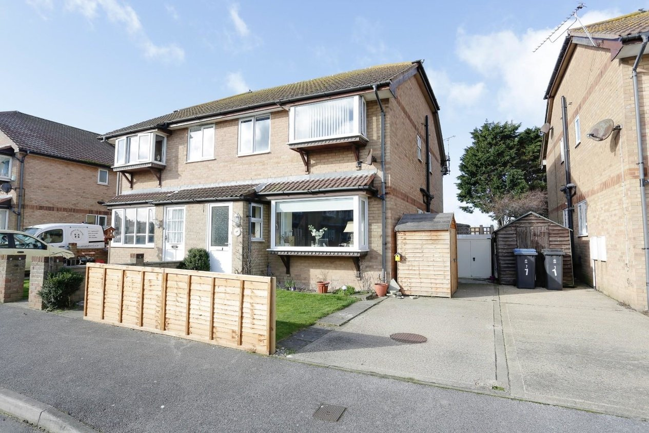 Properties For Sale in Sandown Close