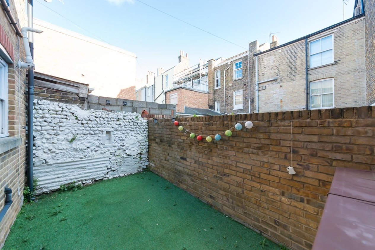 Properties Sold Subject To Contract in School Lane
