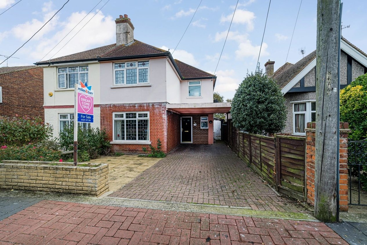 Properties Sold Subject To Contract in St. Swithins Road