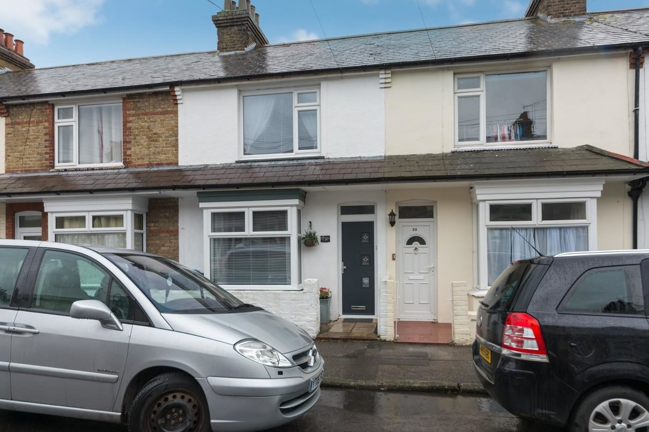 Properties Sold Subject To Contract in Telham Avenue