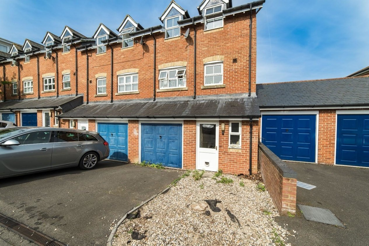 Properties For Sale in Tower View Chartham