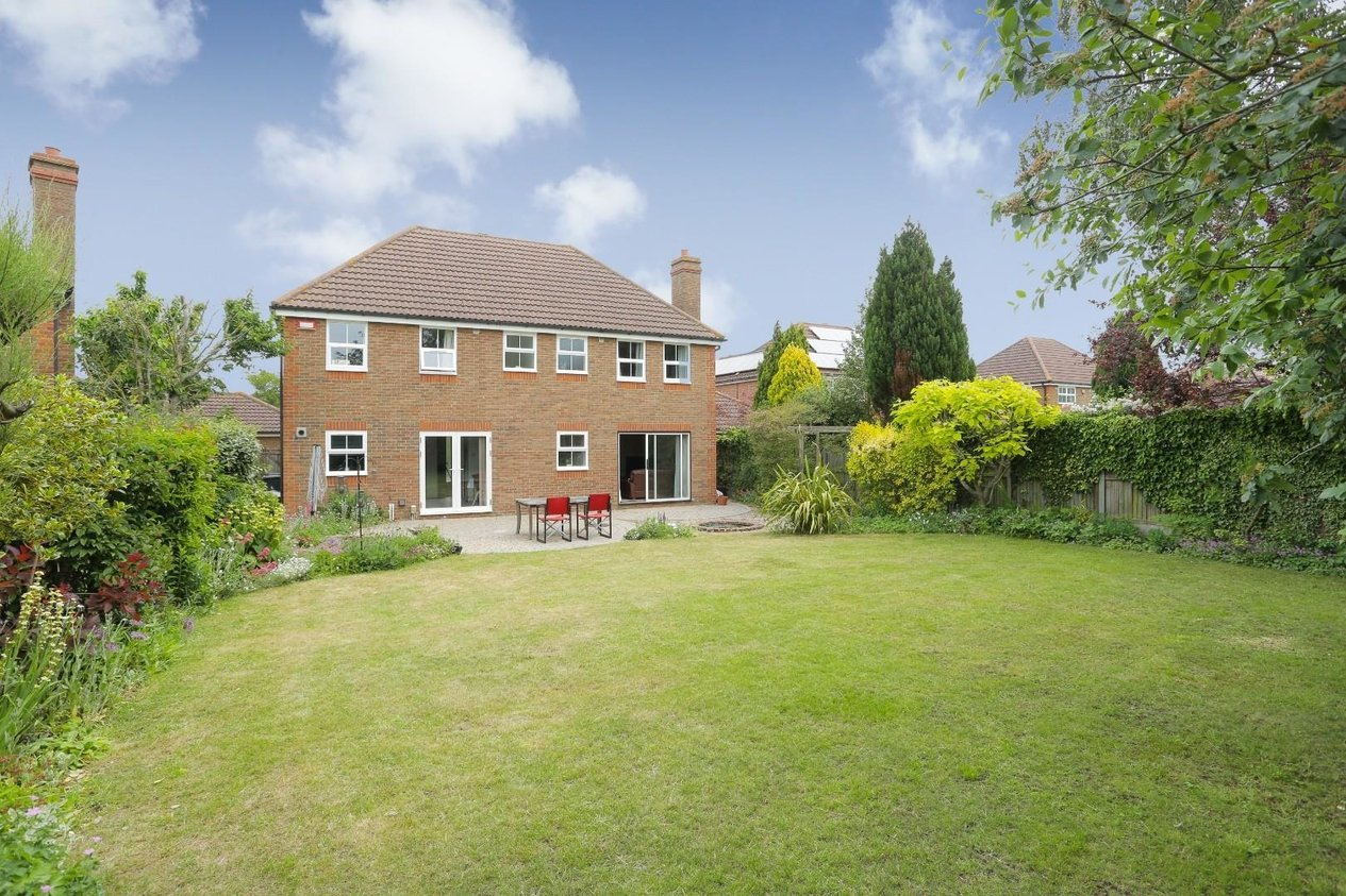 Properties For Sale in Underwood Close