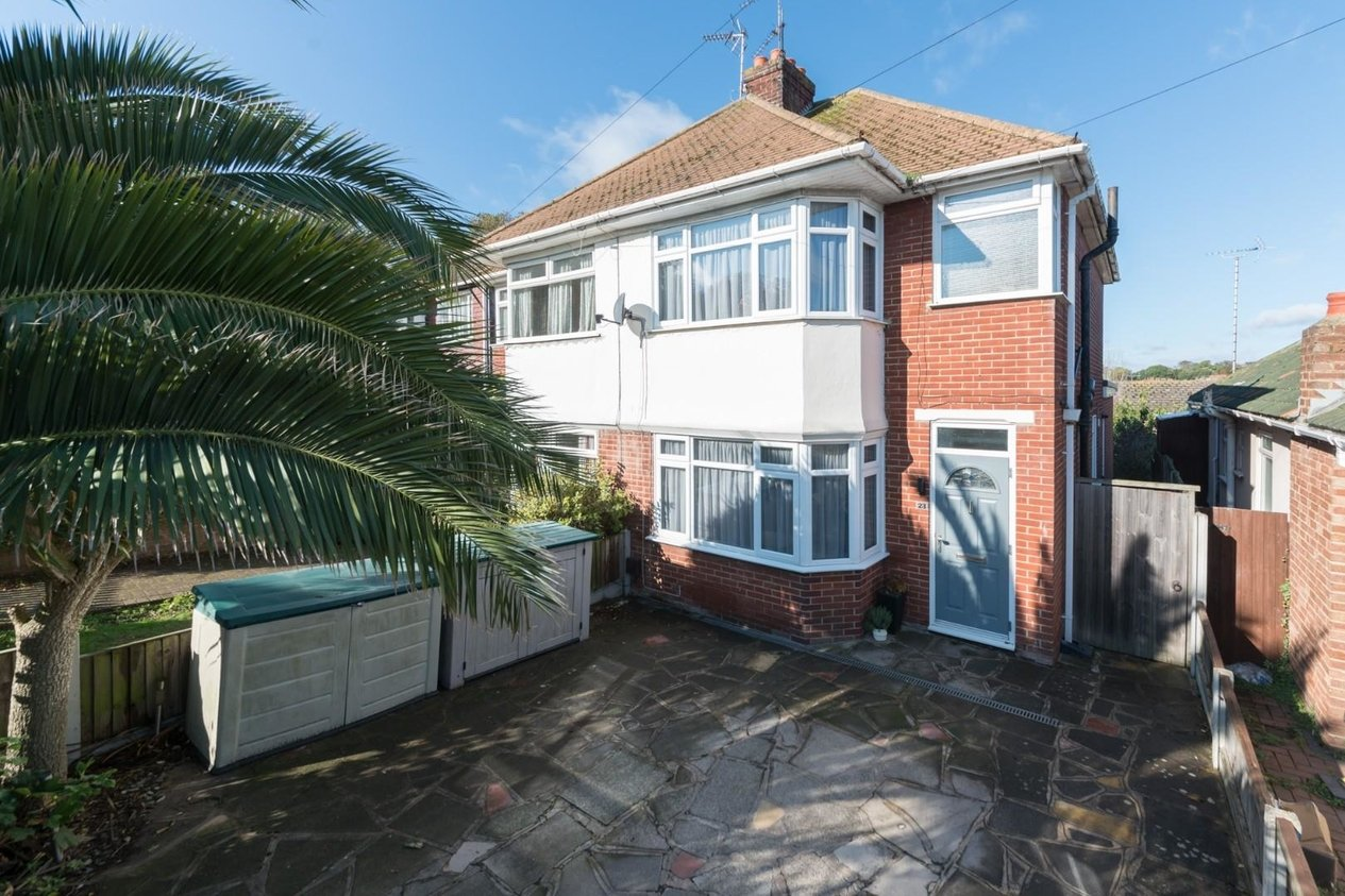 Properties Sold Subject To Contract in Wallwood Road