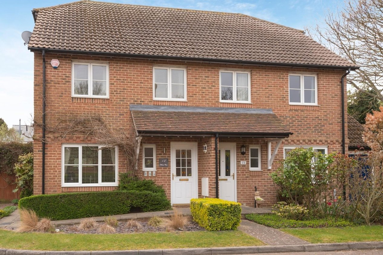 Properties Sold Subject To Contract in Walnut Close