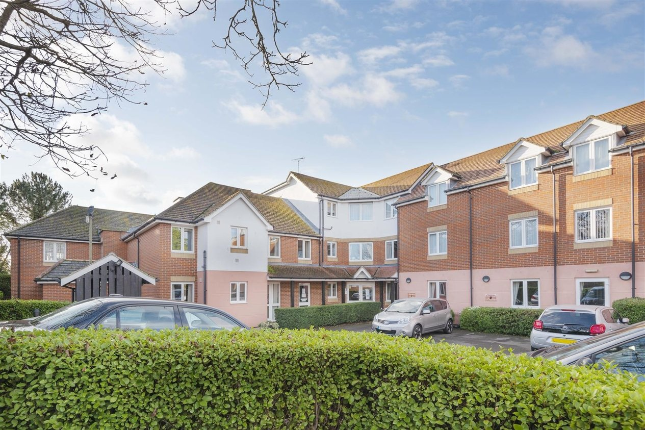 Properties For Sale in Wealdhurst Park