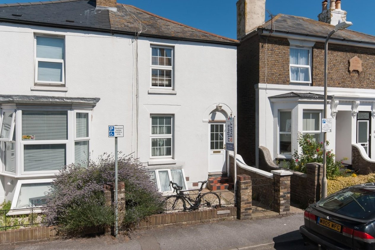 Properties For Sale in Wellington Road