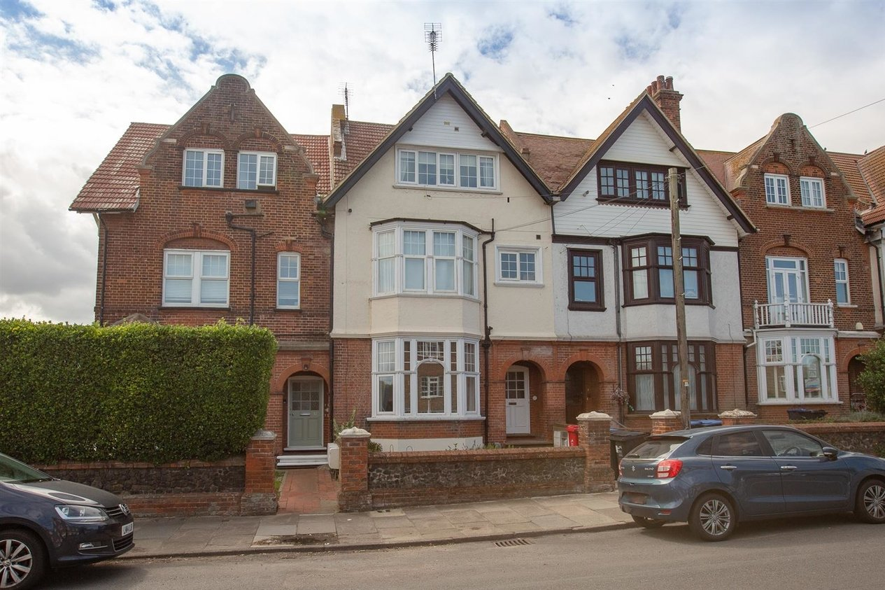 Properties Sold Subject To Contract in 25 Westgate Bay Avenue