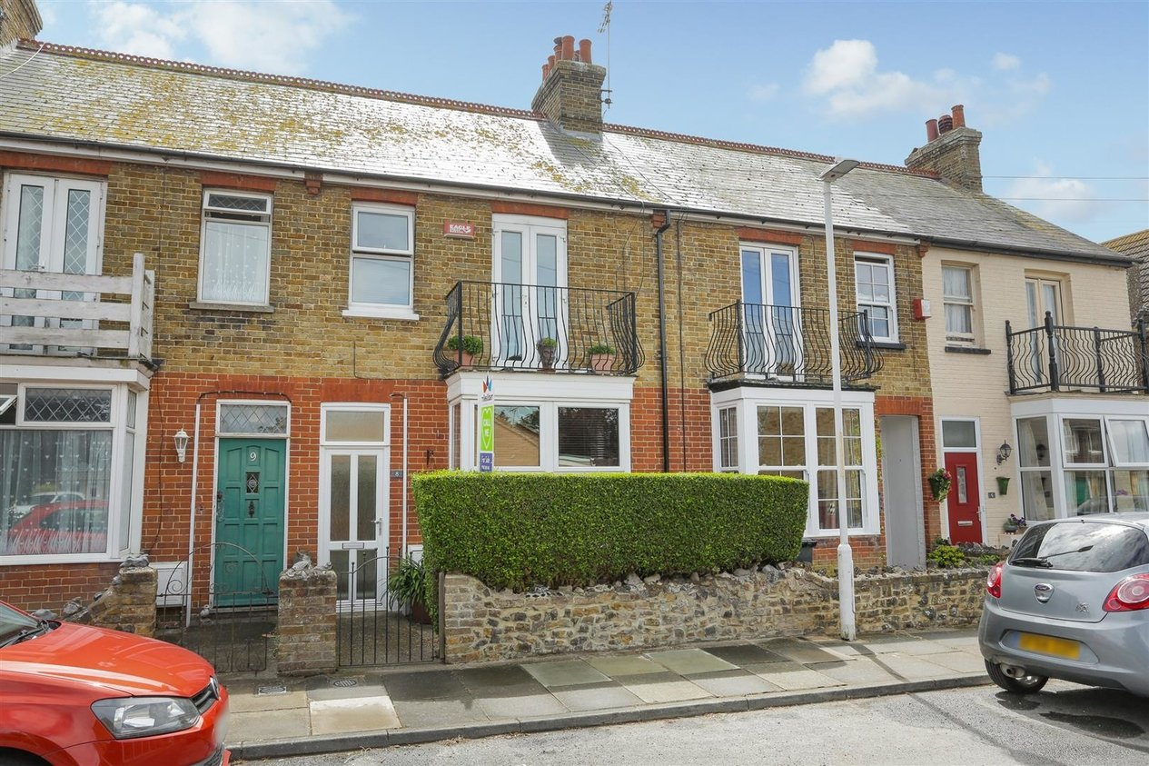 Properties Sold Subject To Contract in York Terrace