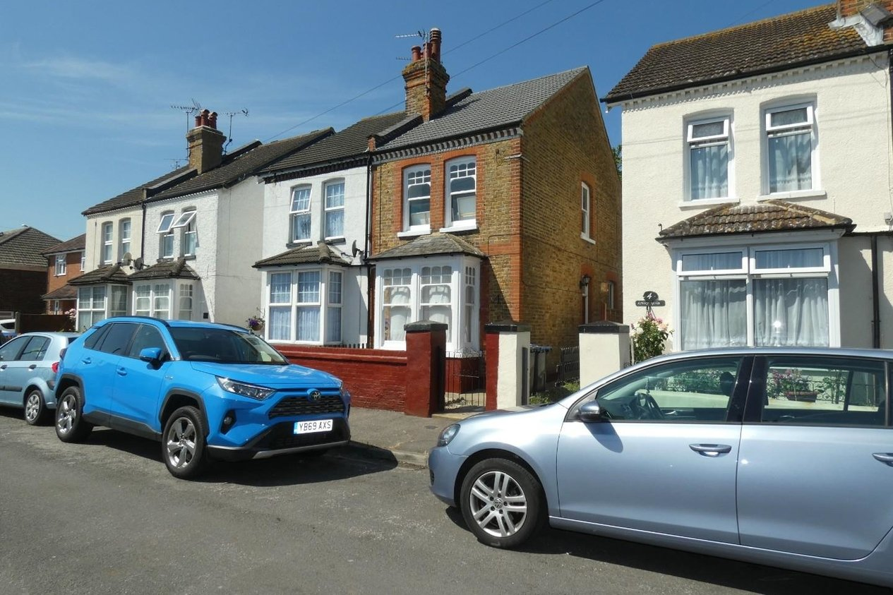 Properties To Let in Arkley Road