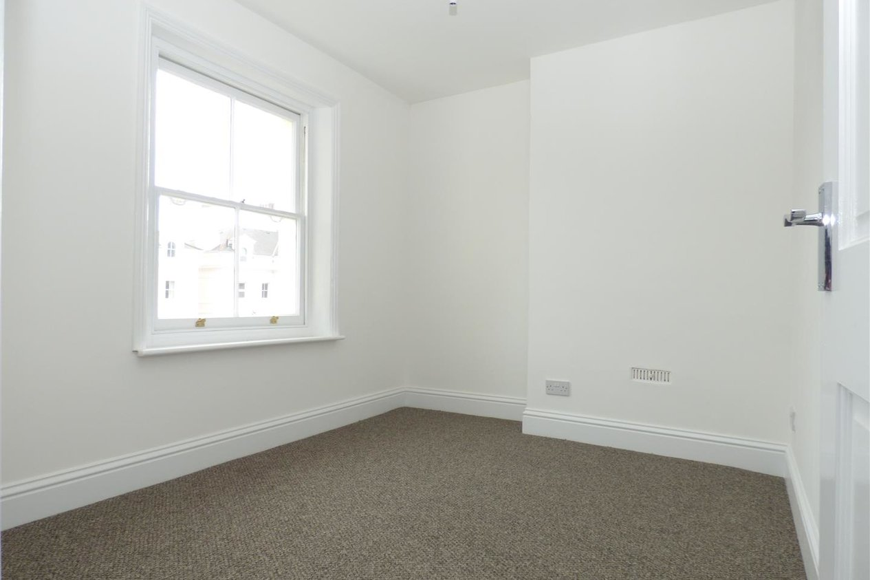 Properties To Let in Aston Court, Trinity Gardens