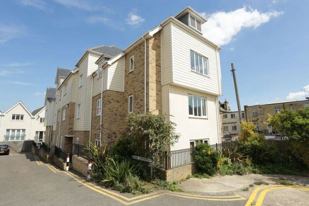 Properties Let Agreed in Nash Gardens