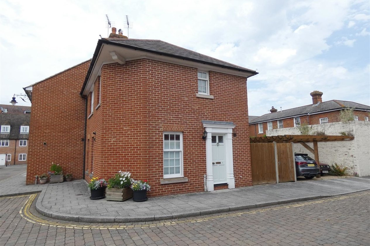 Properties Let Agreed in Carriage Mews