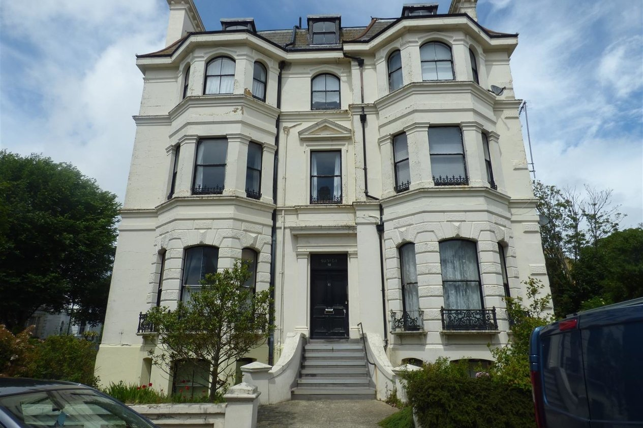 Properties Let Agreed in 10 Clifton Crescent