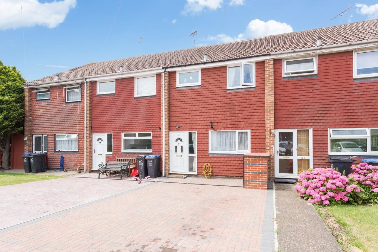 Properties Let Agreed in Crossways Avenue