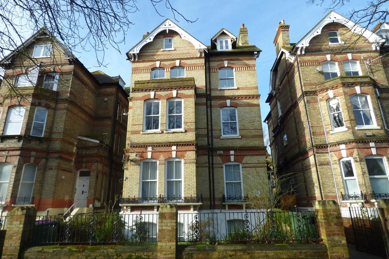 Properties Let Agreed in Earls Avenue
