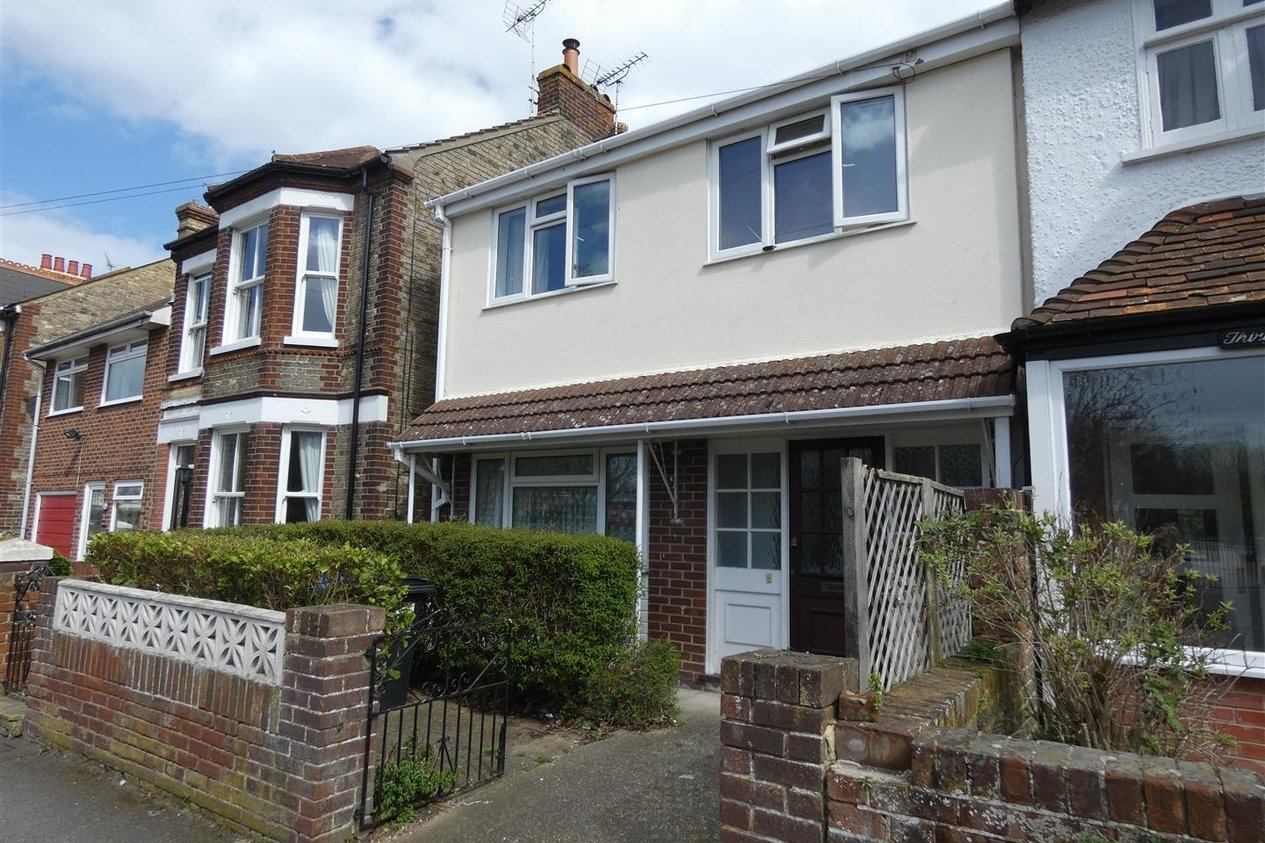 Properties Let Agreed in Edge End Road