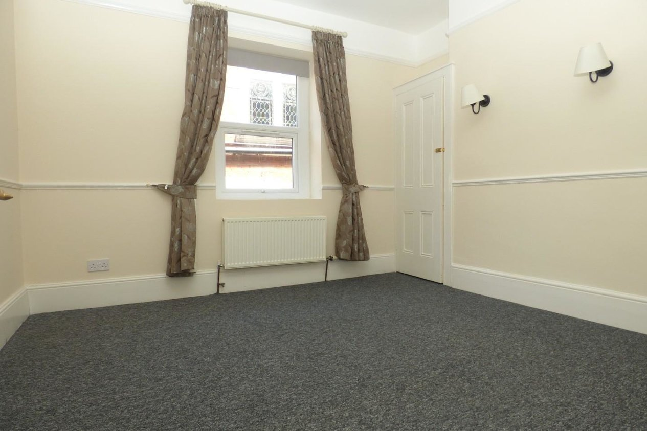 Properties To Let in Grimston Avenue
