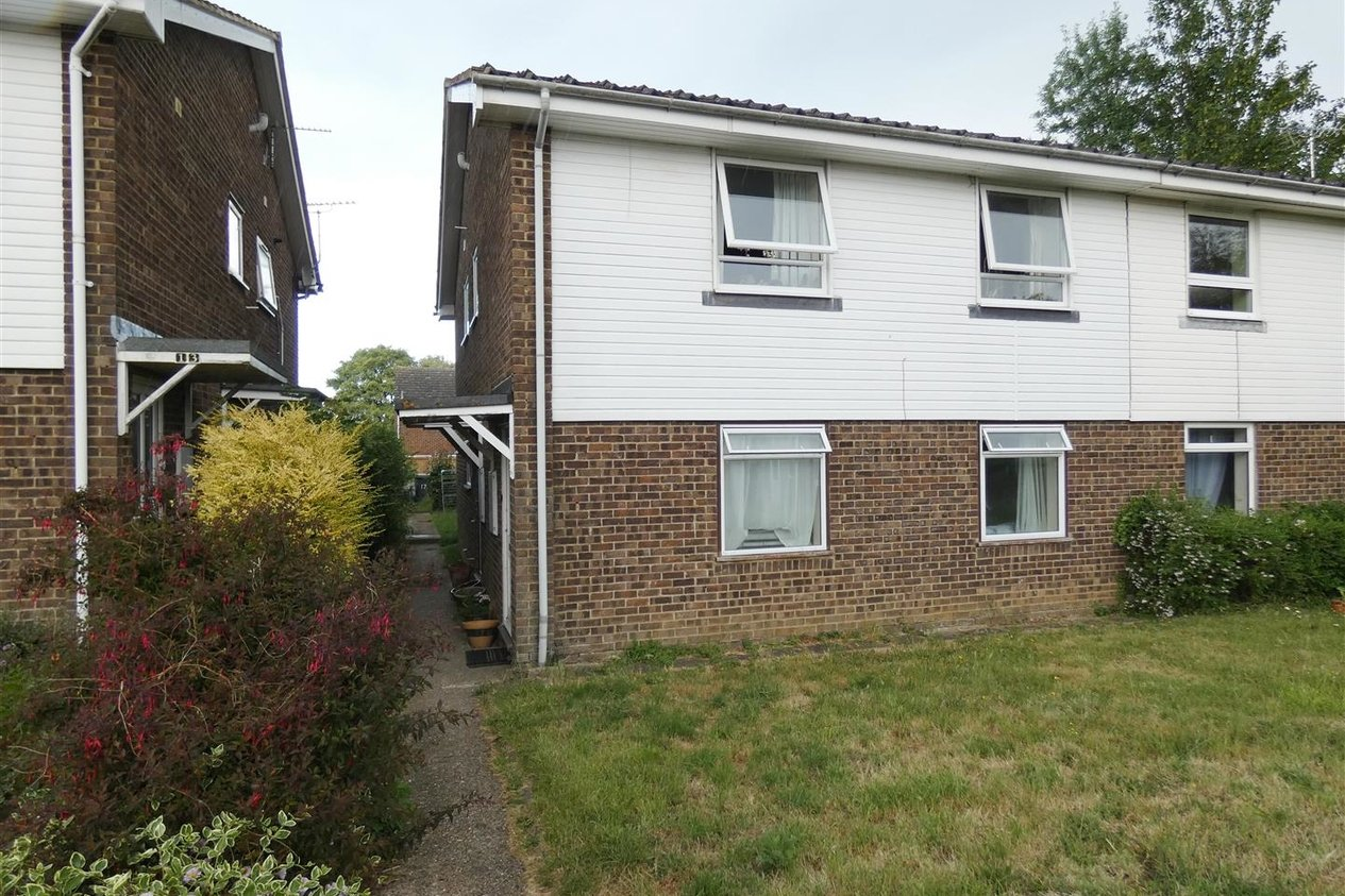 Properties Let Agreed in Foxdown Close