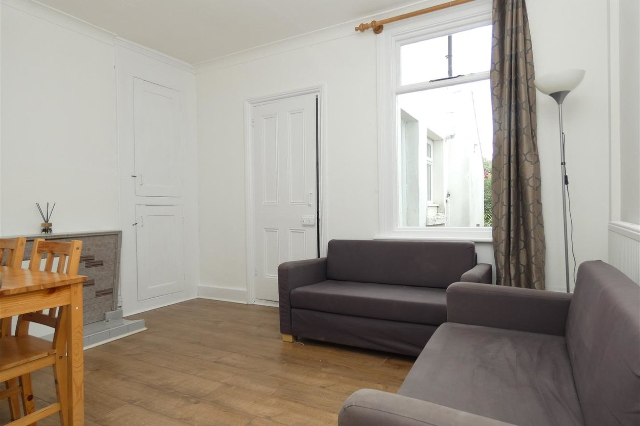 Properties To Let in Grove Terrace