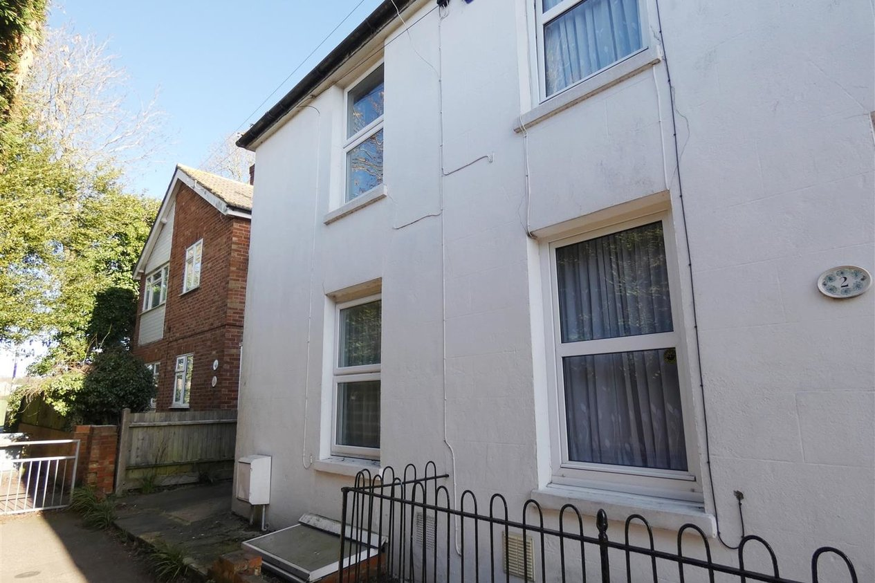 Properties To Let in Hackington Place