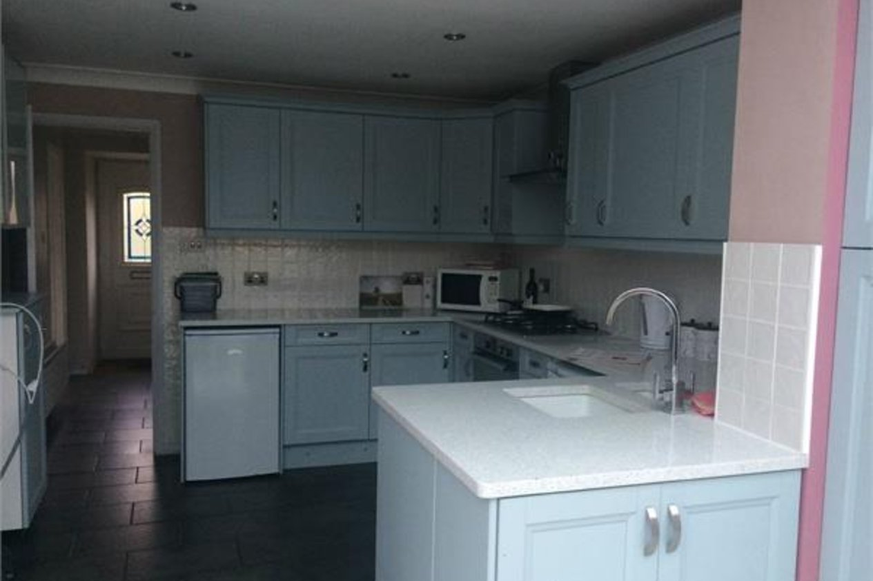 Properties Let Agreed in Ifield Way