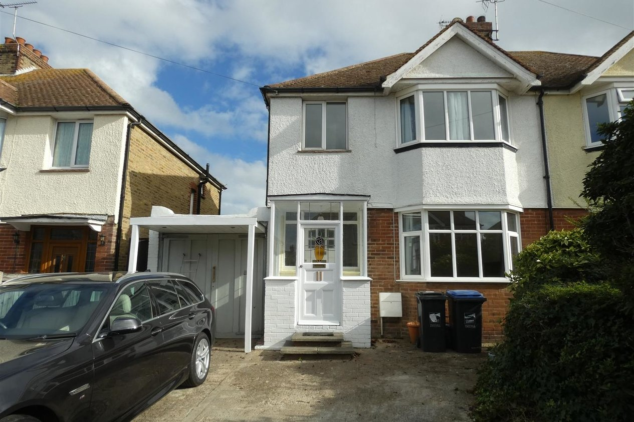 Properties Let Agreed in Boleyn Avenue
