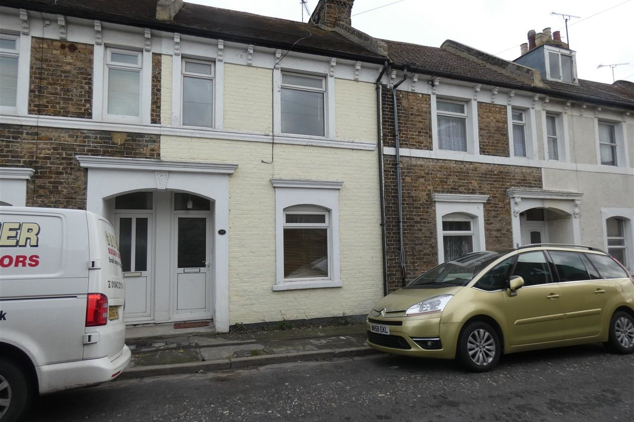 Properties Let Agreed in Alma Road