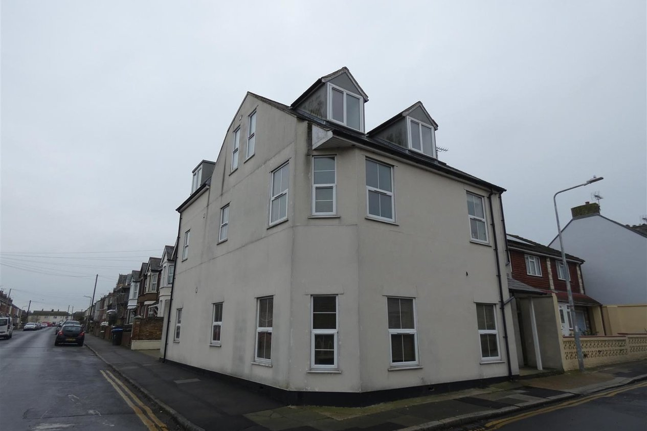 Properties Let Agreed in High Street Garlinge