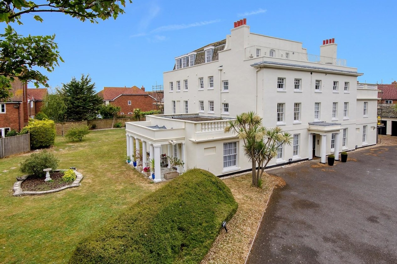 Properties To Let in North Foreland Road