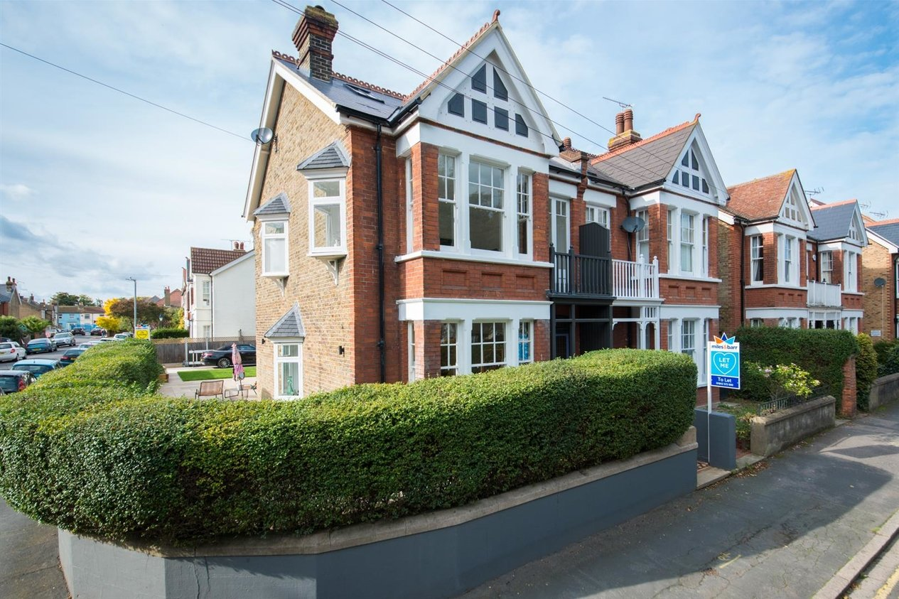 Properties Let Agreed in Pierremont Avenue