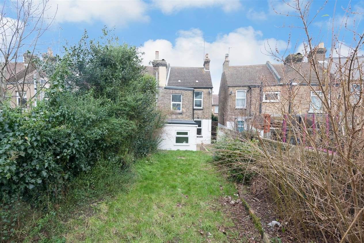 Properties Let Agreed in Winstanley Crescent