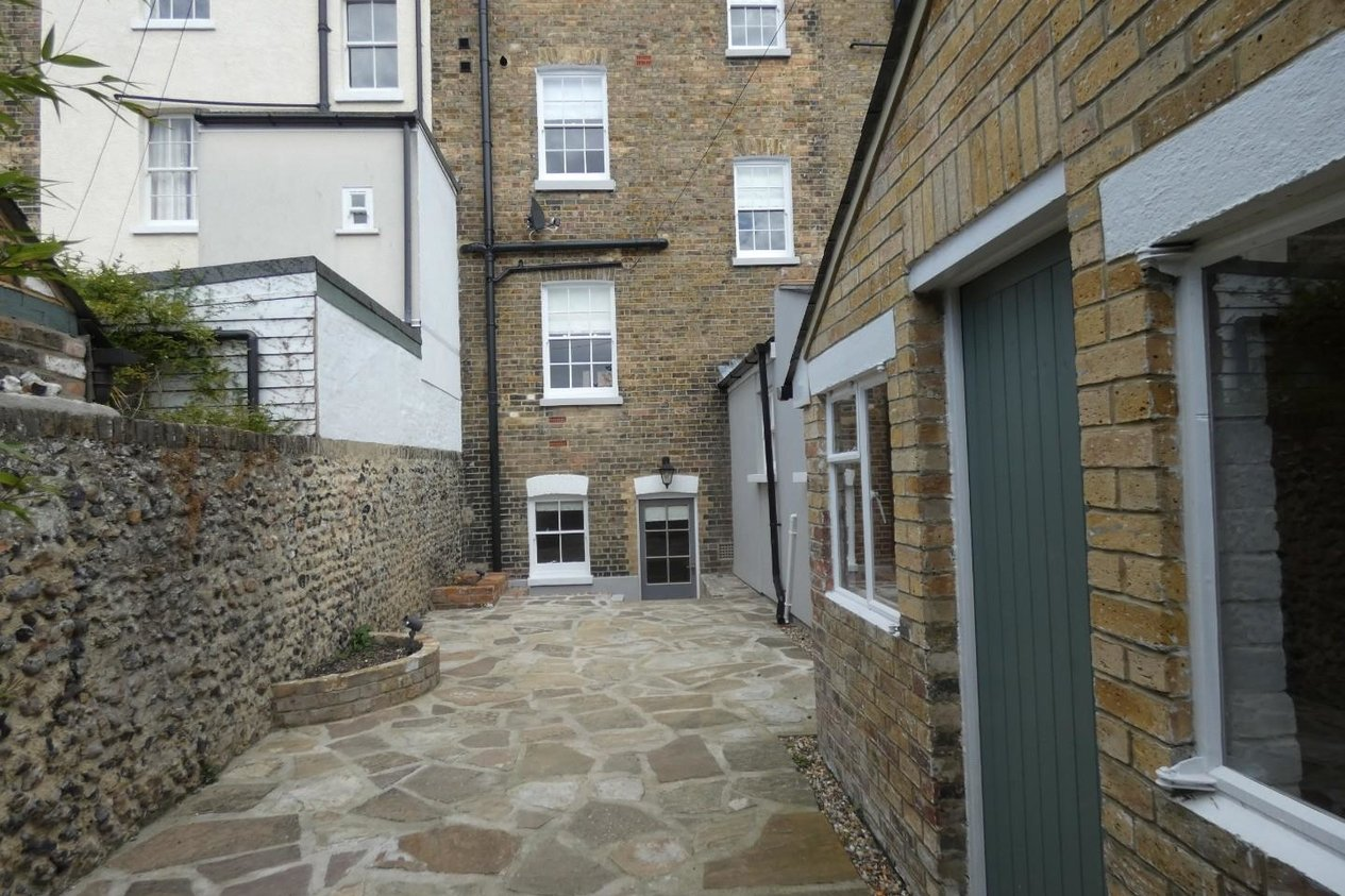 Properties Let Agreed in Abbots Hill