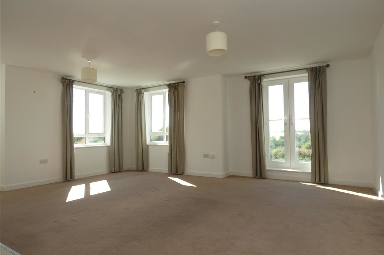 Properties Let Agreed in Observatory Way