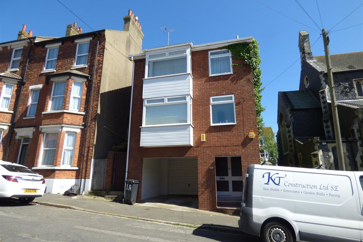 Properties Let Agreed in Avenue Road