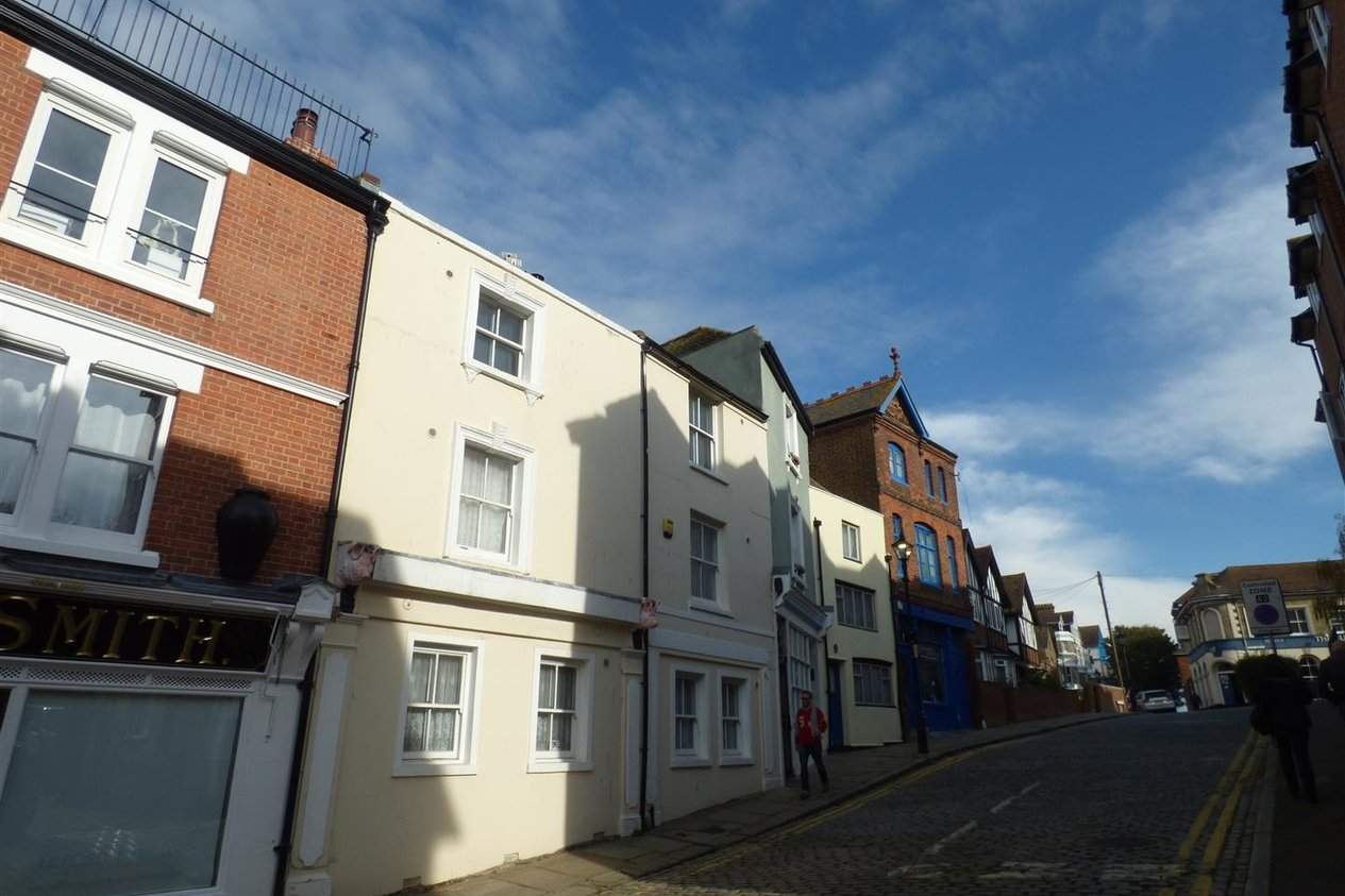 Properties Let Agreed in The Bayle