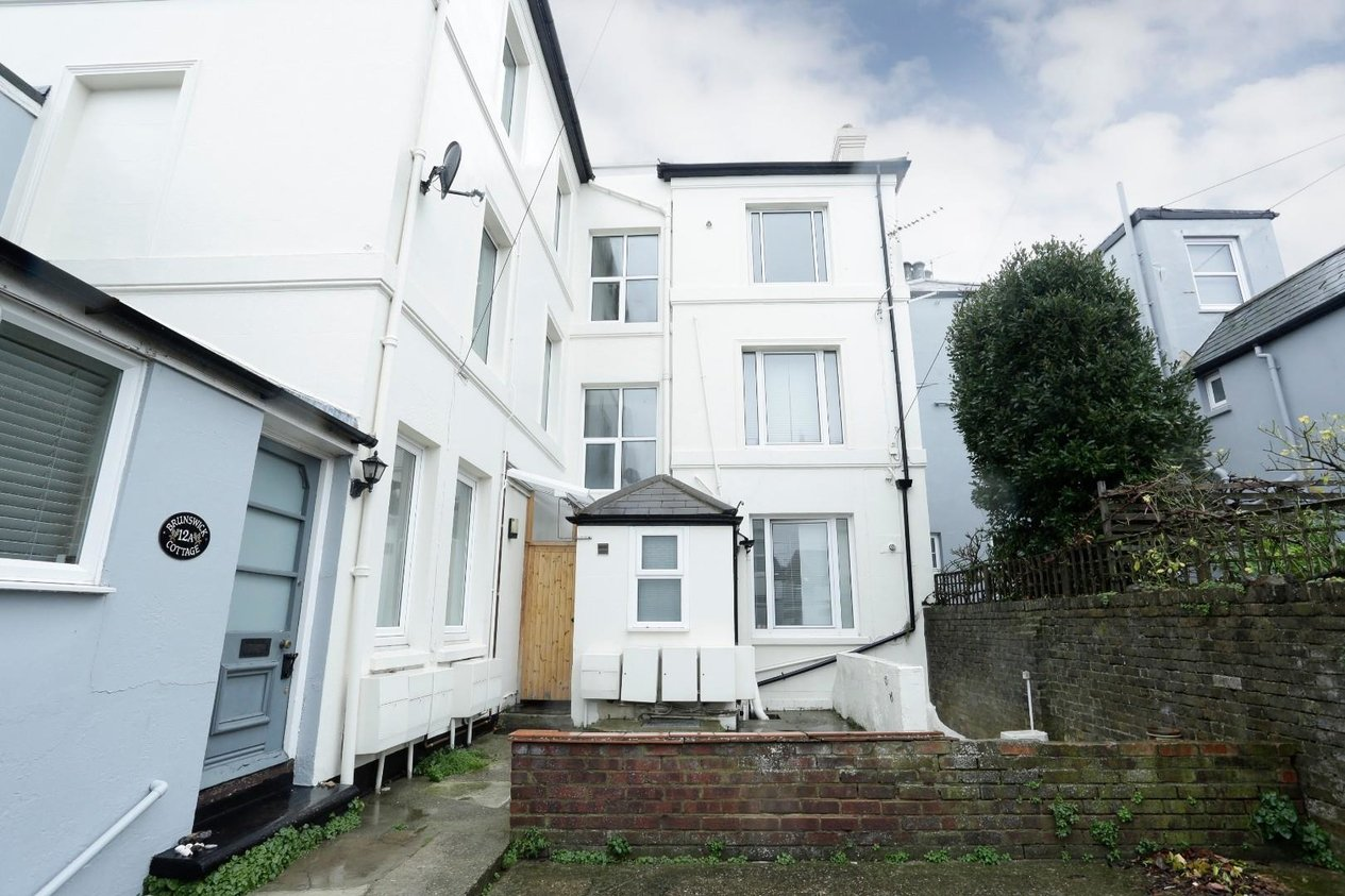 Properties Available Investment Opportunity in The Beach walmer Deal