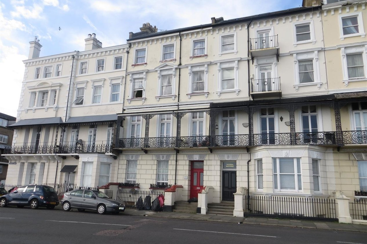 Properties Let Agreed in Victoria Parade