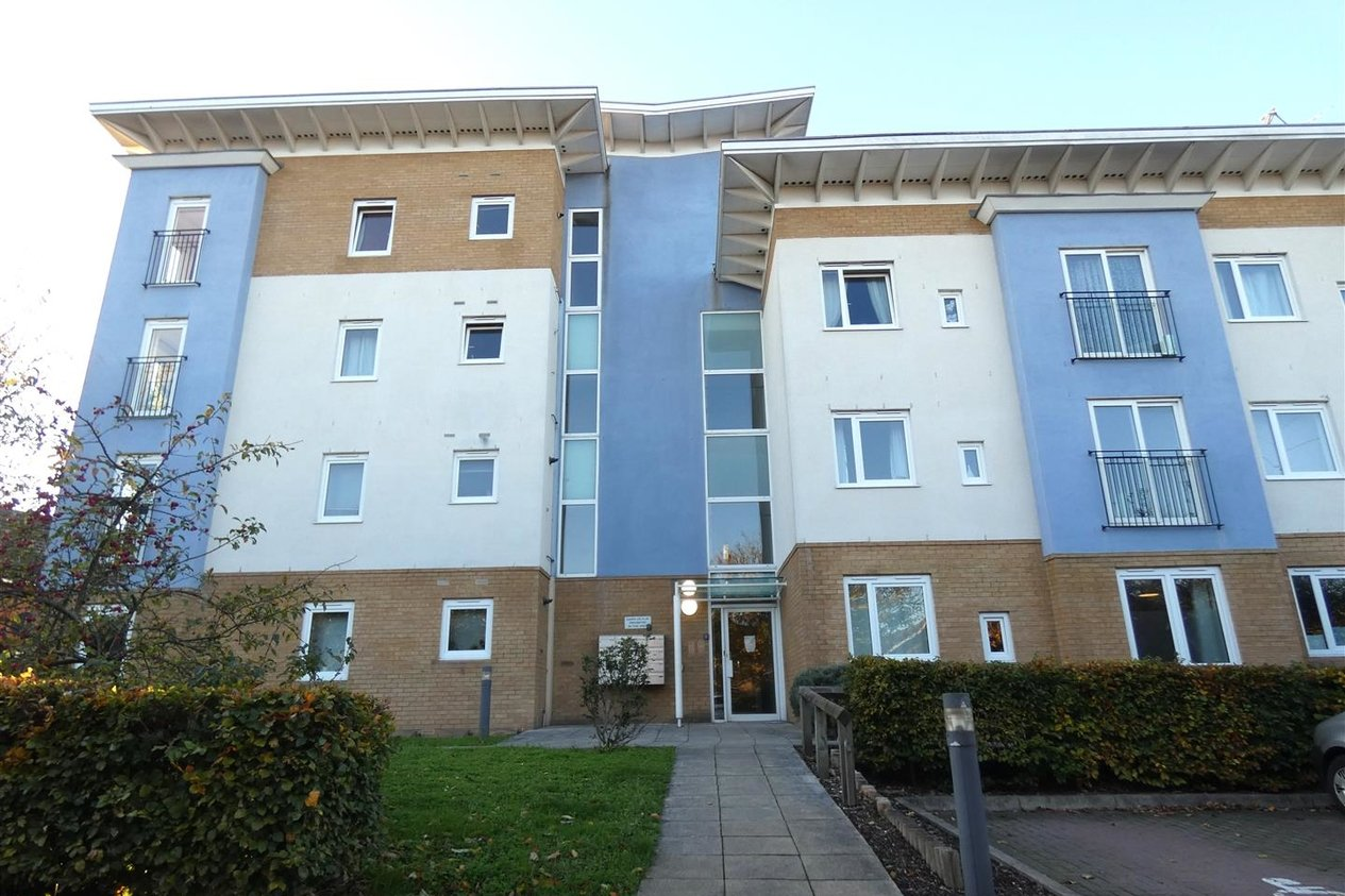Properties To Let in Walden Court