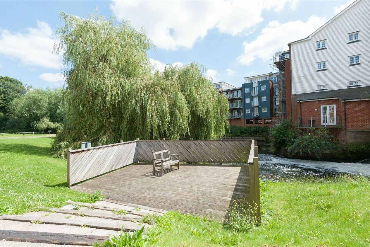 Properties Let Agreed in Waters Edge