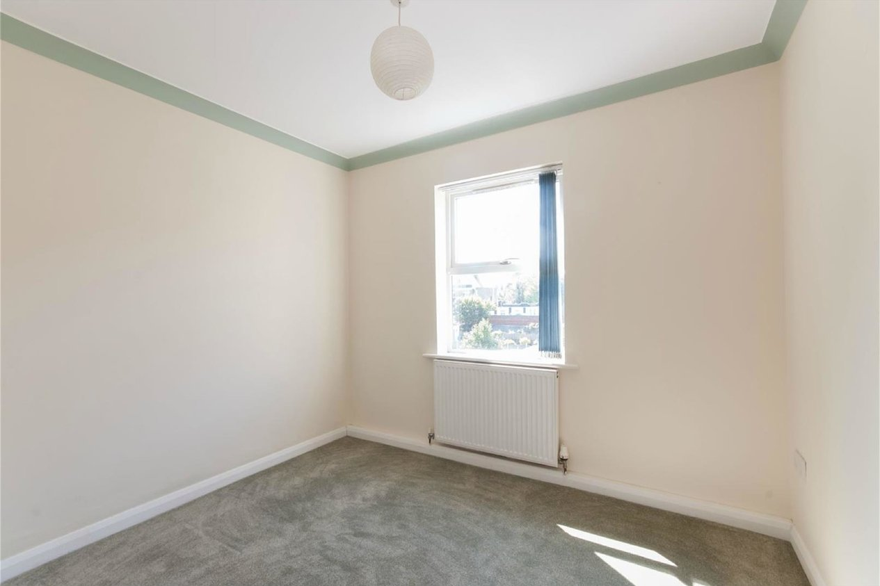 Properties To Let in Essex Road