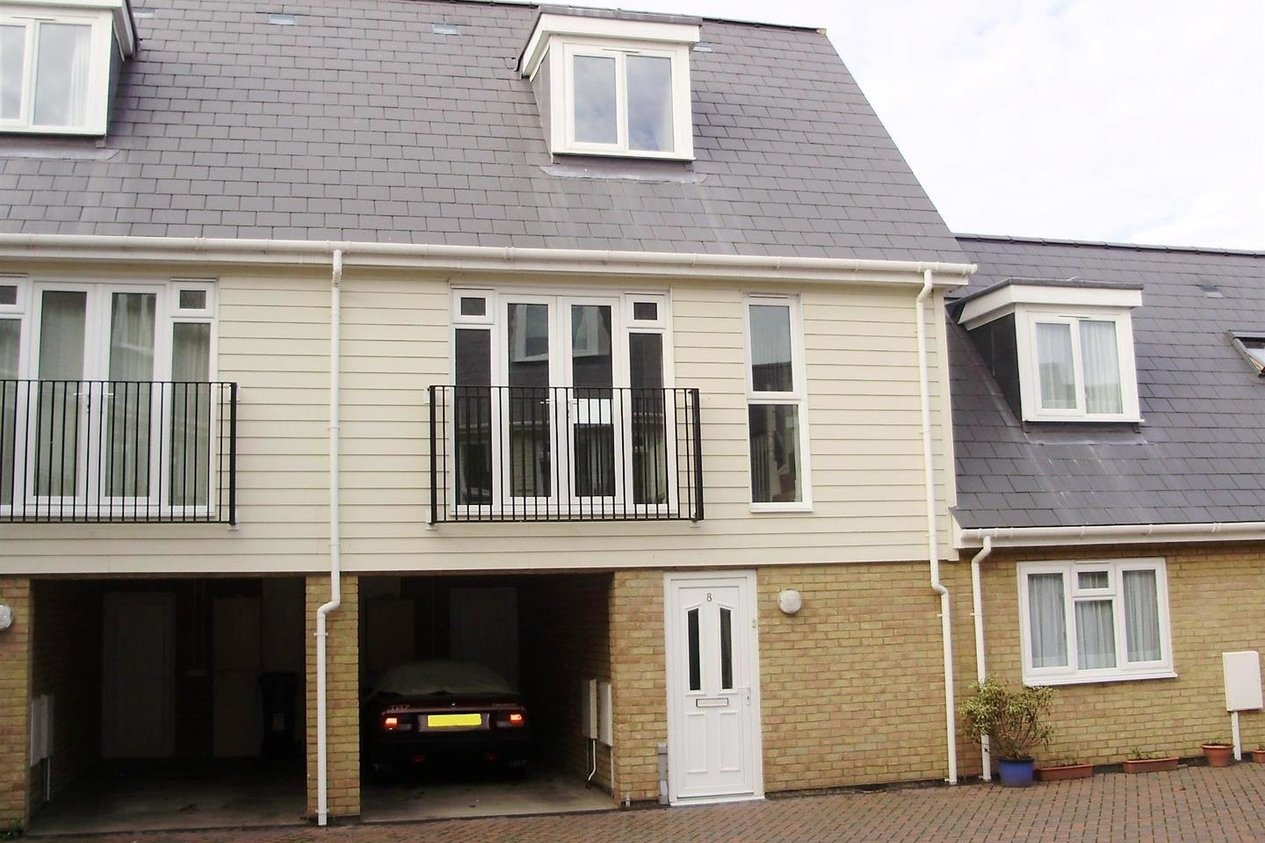 Properties Let Agreed in Willow Mews