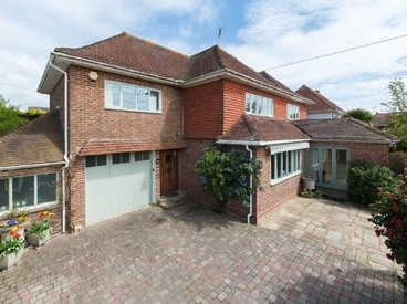 St. Johns Road, Hythe, CT21. 4 Bedroom House ...
